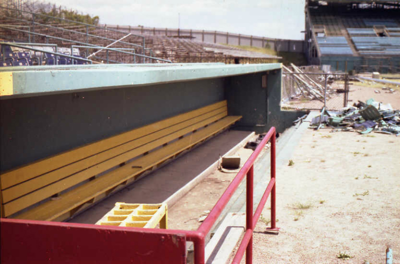abandoned19-the-third-base-visitor-dugout-with-its-original-bat-rack