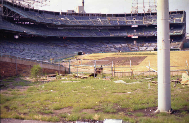 abandoned8-former-location-of-right-field-stands