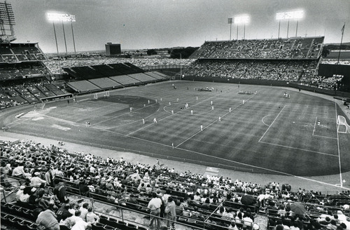 Soccer configuration at the Met for the Minnesota Kicks