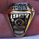 1987 World Series ring - side view