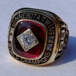 1991 World Series ring - frontal view