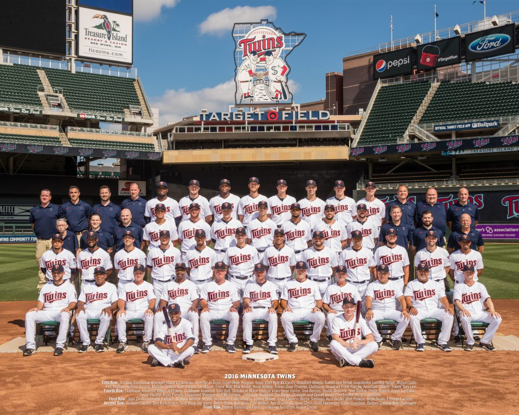 2016 Twins Team Photo NAMES